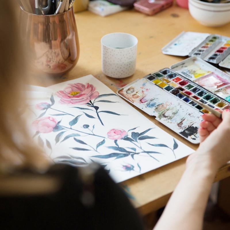 Illustratorin Kristin (youdesignme) an ihrem Arbeitsplatz